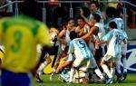 图文:世青半决赛阿根廷胜巴西 主力替补庆祝