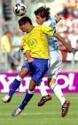 图文:世青半决赛阿根廷胜巴西 福尔米卡争顶