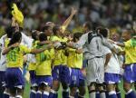 图文:巴西获得联合会杯冠军 庆祝比赛胜利