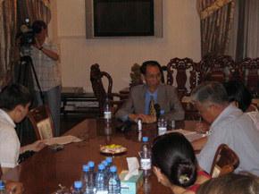 中国大使接受采访