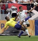 图文:世青赛巴西VS摩洛哥 双方场上激烈拼抢
