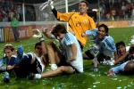 图文:阿根廷胜尼日利亚 球员庆祝胜利