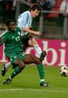 图文:阿根廷胜尼日利亚 梅西在比赛中