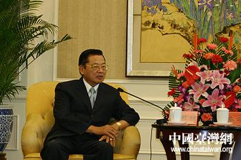 陈云林会见江丙坤 就加强两岸信息合作交换意见