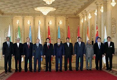 在哈萨克斯坦出席上海合作组织峰会领导合影(图)