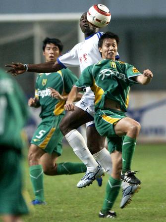 图文:湖南湘军0-2广州日之泉