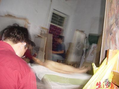 人体艺术日本摸私处_哈市裸模状况透视:脱与不脱间挣扎与抉择(图)
