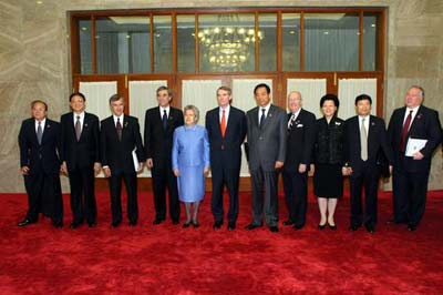 中美商贸联委会今在京举行 纺织品磋商前景难料