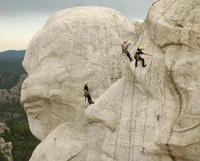 """美国给国会山总统雕像""""洗脸"""""""