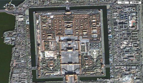 """地图,同样,键入""""beijing, china"""",嘿嘿,正对你的 就是咱儿北京的故宫."""