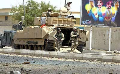 伊拉克发生多起自杀式袭击 造成80余人死伤(图)
