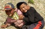 快乐的藏族童到大本营瞧新鲜