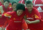 图文:中国女足在津训练 备战中澳女足对抗赛4