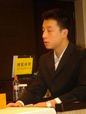 图文:中韩天元对抗赛 遭遇老对手古力很平静
