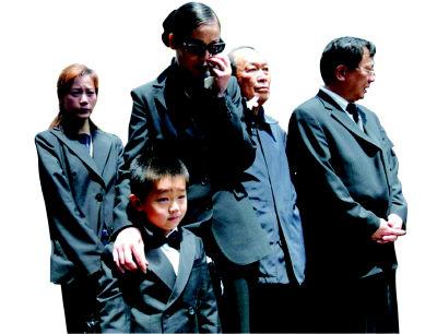 陈逸飞遗孀忆往日幸福 5岁儿子改叫我爸爸(图)