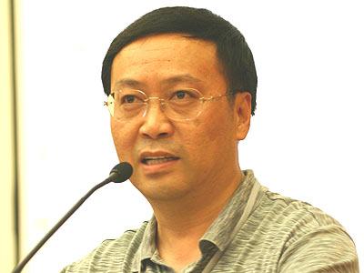 图:社科院财贸所的副所长高培勇