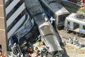 日本火车出轨事故