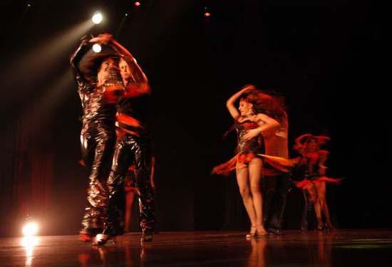 图:舞蹈经典《燃烧的地板》精彩剧照―25