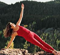 人到中年练瑜伽 有助减肥状态佳