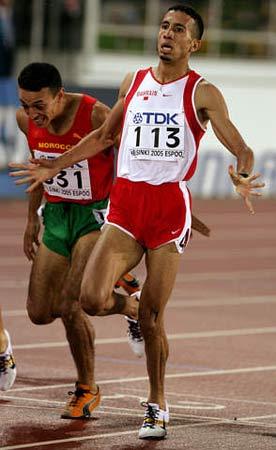 图文:拉姆兹问鼎男子1500米 比赛中一马当先
