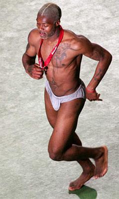 阿迪星地带之足球明星西塞 猛男裸奔