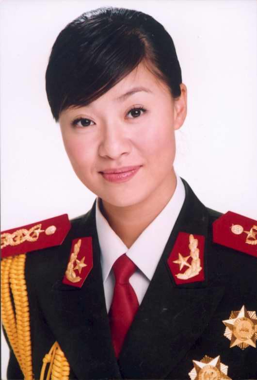 图文:《一个士兵的故事》主演―王丽达