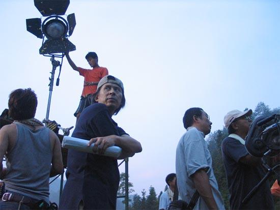 《陶器人形》西递村取景 剧组连续奋战一昼夜