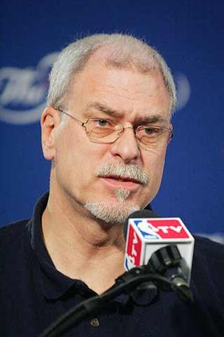 NBA历史十大王牌主帅:杰克逊称王 布朗险入围