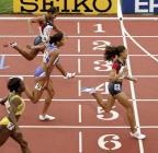 图文:菲利克斯获女子200米冠军 选手冲刺瞬间