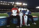 图文:世锦赛男子110米栏 前三名选手合影
