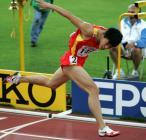 图文:世锦赛男子110米栏 冲刺瞬间