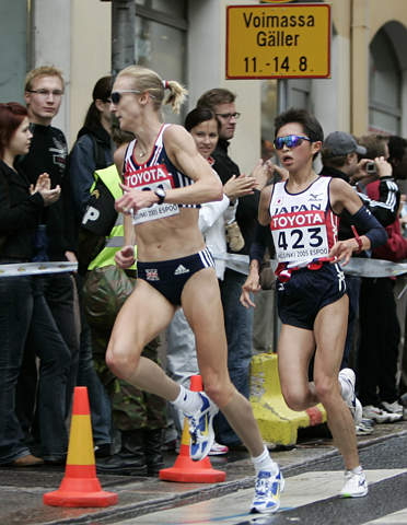 女子马拉松:名将拉德克里夫夺冠 周春秀获第五