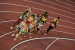 图文:女子5000米邢惠娜第五 运动员在比赛中