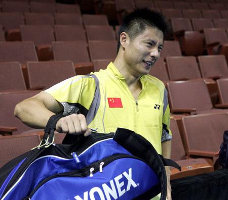 图文:中国队备战世锦赛 谢中博做力量训练