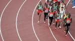 图文:男子5000米决赛 比赛途中