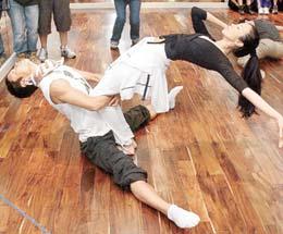 塑身:莫文蔚 瑜伽舞挑战高难度