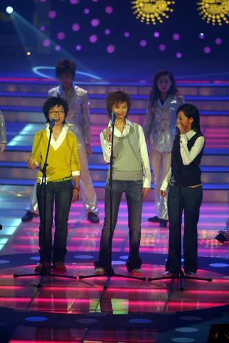 """图文:2005""""超级女声""""总决选现场―2"""