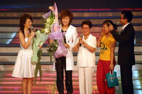 """图文:2005""""超级女声""""总决选现场―19"""