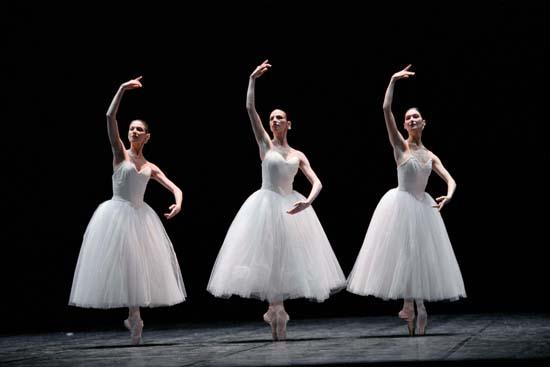 法国歌剧院芭蕾舞团精彩图片-6