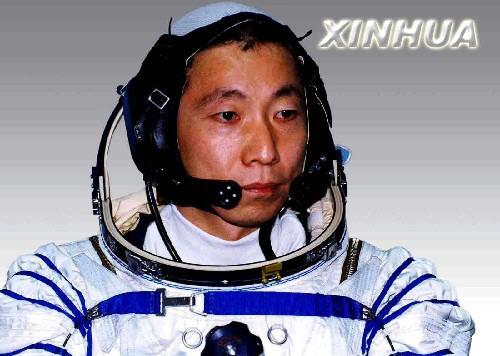 中国首位航天员杨利伟(组图)