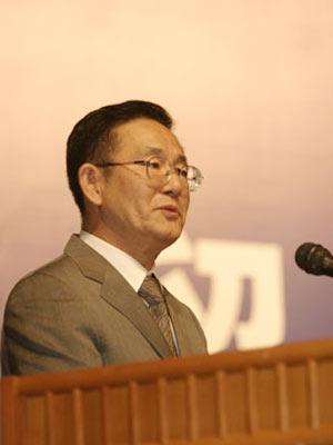副市长范伯元:北京义务教育将全面免费