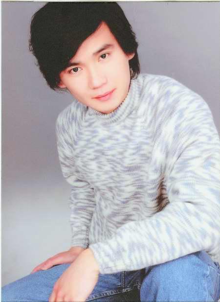 图文:话剧《新柜传奇》主要演员―卢尼斯