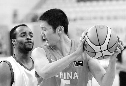 中国男篮88分狂屠沙特