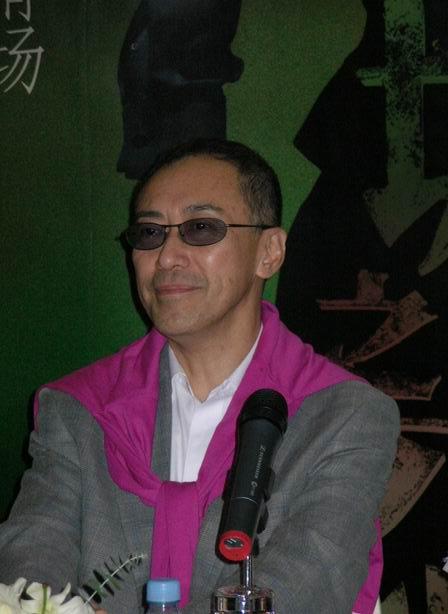 组图:话剧《倾城之恋》发布 梁家辉上海亮相
