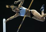 图文:上海田径大奖赛夺冠 伊辛巴耶娃在比赛中
