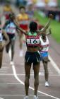 图文:上海大奖赛夺冠 德法尔举臂庆祝胜利