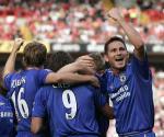 图文:切尔西两球力克查尔顿 蓝狮庆祝六场连胜