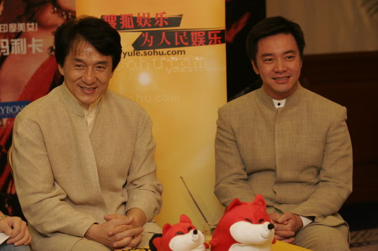 """成龙做客明星在线 将搜狐打字员视为""""偶像"""""""