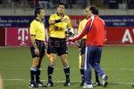 图文:世少赛-中国1-0秘鲁 张宁质问主裁判