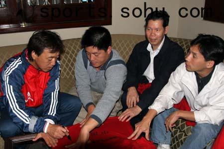 秘鲁华人球迷看国少 众认王大雷为最大亮点(图)
